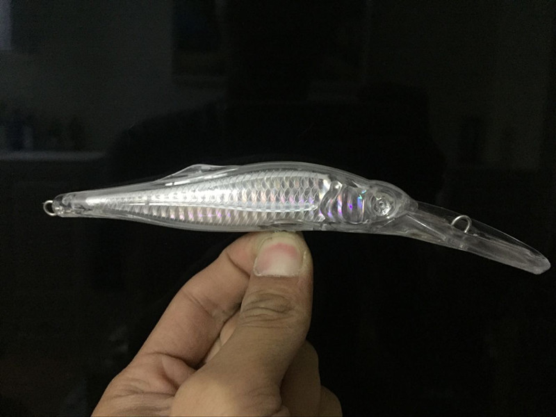 Shelt's New Deep Diving Minnow Jerkbaits with holo insert